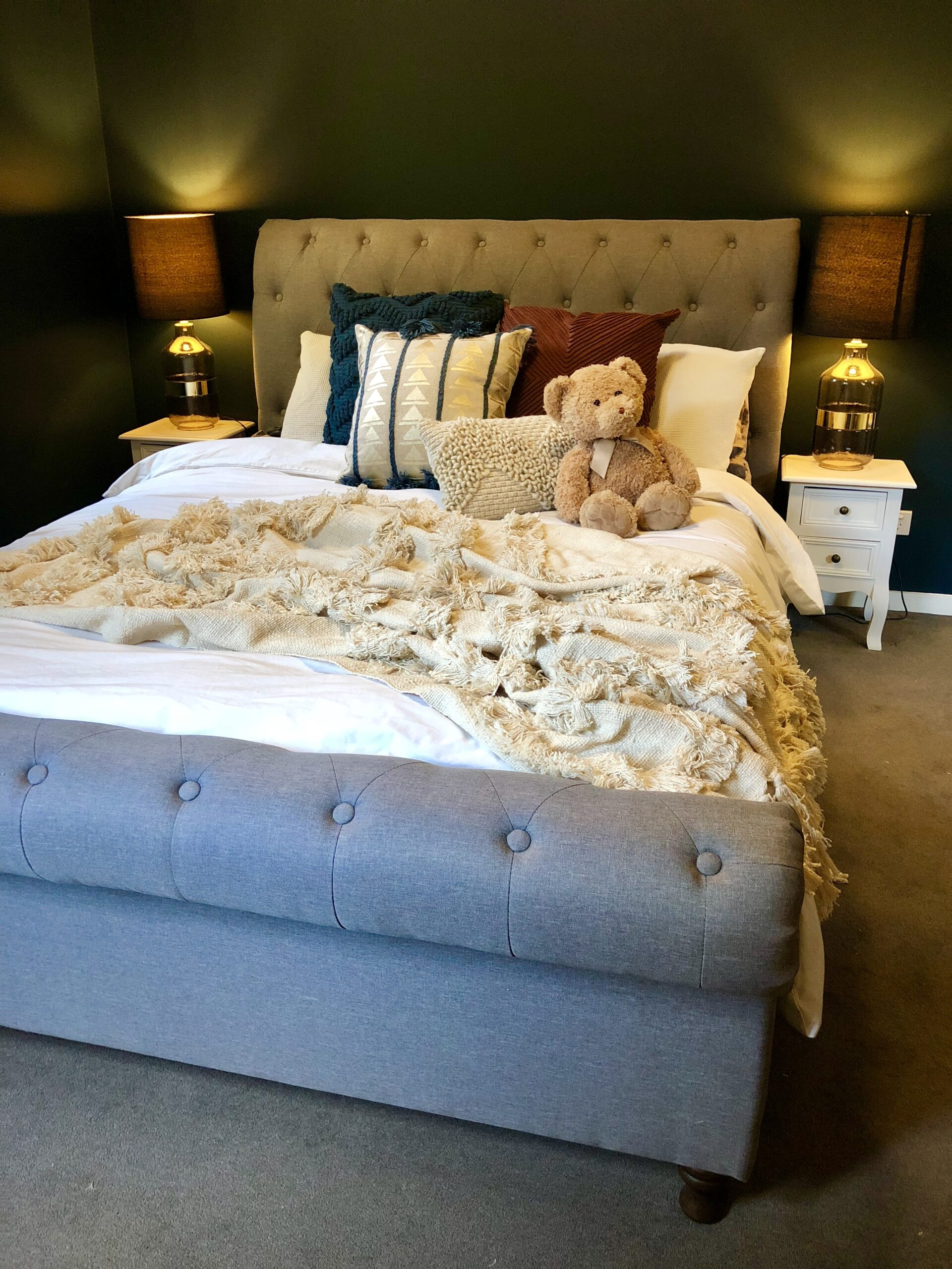 bed styling for teenage girl
