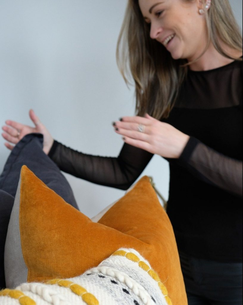 How to chop feather cushions